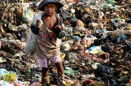 pictures of poverty cambodia